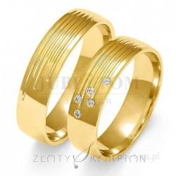 Obrączki z żółtego złota z kamieniami - złoty skorpion