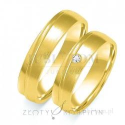Obrączki z żółtego złota z kamieniem- złoty skorpion