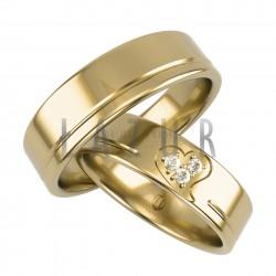Obrączki z żółtego złota z motywem serca i kamieniami Lazur